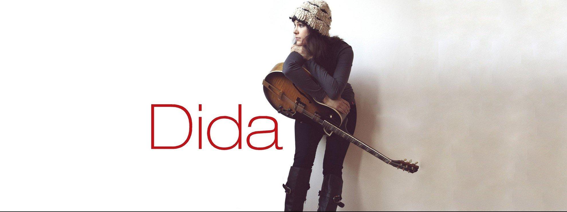 performer Dida Pelled